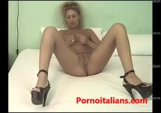 Italian Milf fucked on the bed wet from horny