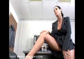 large scoops brunette fucked at work